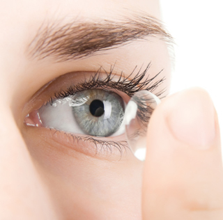 clean contact lenses